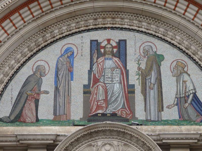 タイルで出来たイエスキリストのモザイク画