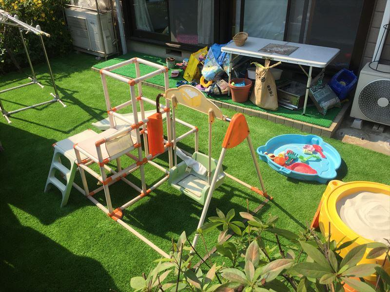 小さい子供たちのための庭