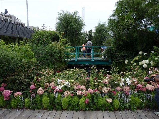モネの庭にもある太鼓橋