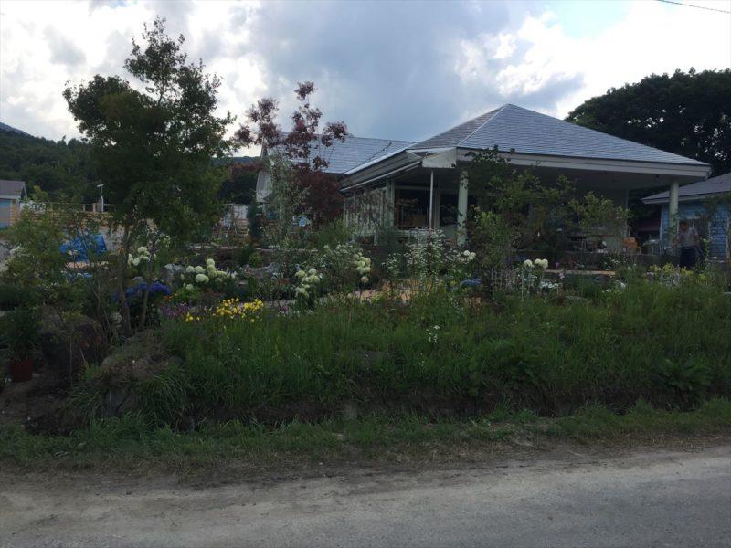 施工途中のお店の庭