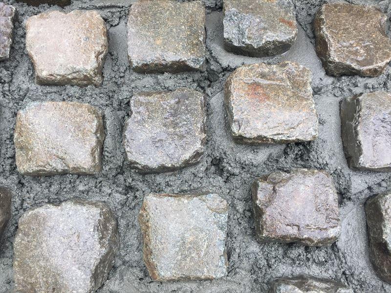 駐車場に仕様するベルギー産の石