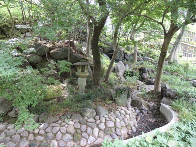 かなり現代風に整備された日本庭園