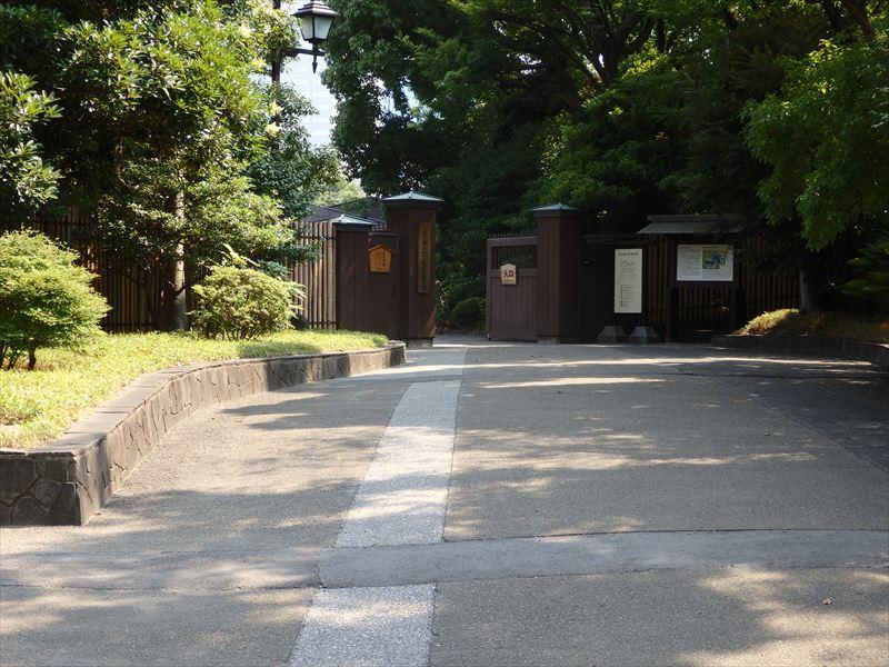 園内の見どころが紹介されている入り口