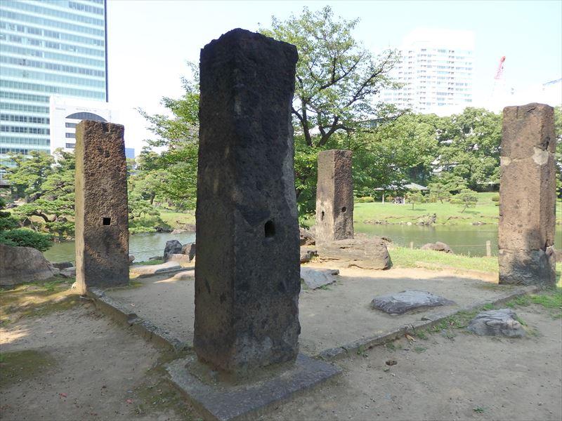 2メートルは超えている石柱