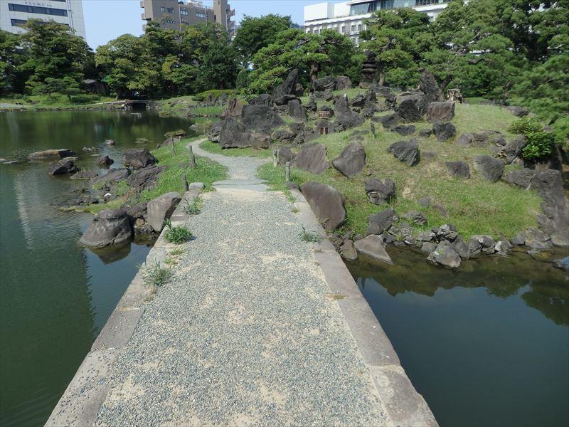 中国への憧れがある中島へ渡る石橋