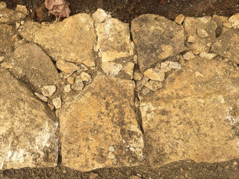 きっちり積まれた石組み