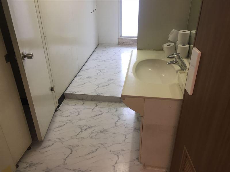 ほとんど完成の床リフォーム