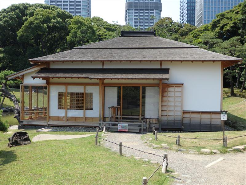 新築の茶屋