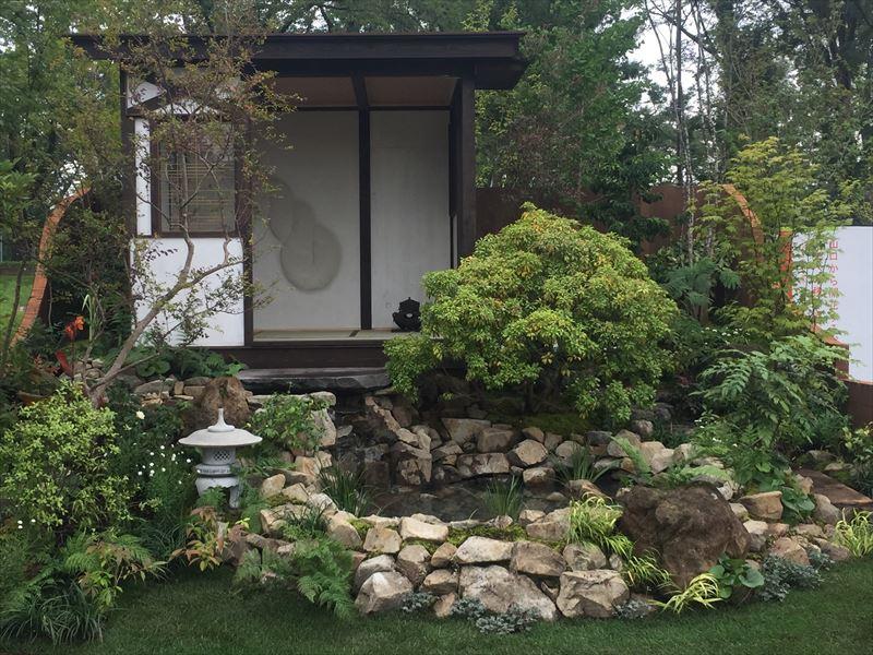 横浜と八王子の繋がりを表現した庭園