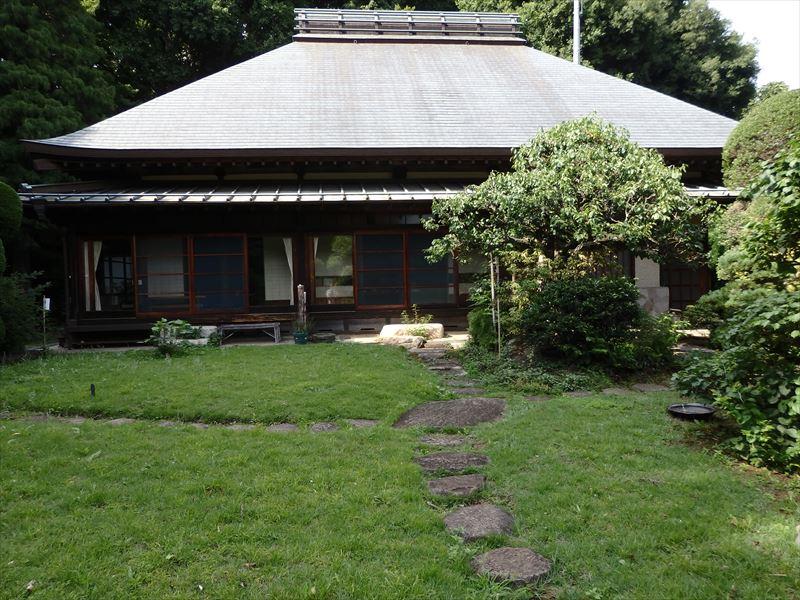 とても大きなお屋敷の田邊泰孝記念館