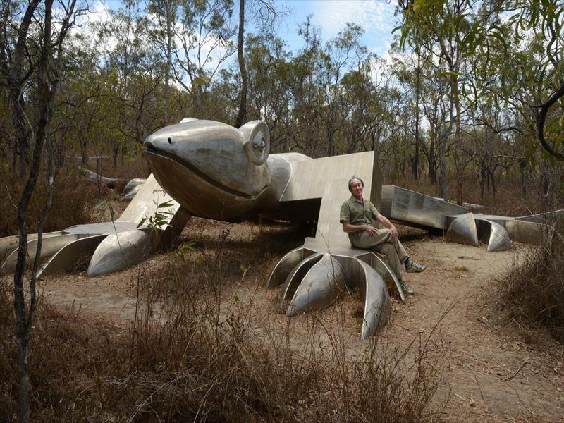 タイに残したトカゲの彫刻作品