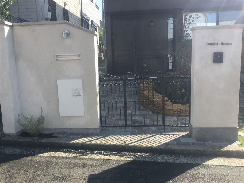 特注のアイアン門扉を設置