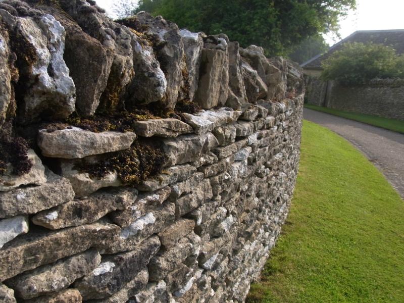 イギリスの伝統的な石積み