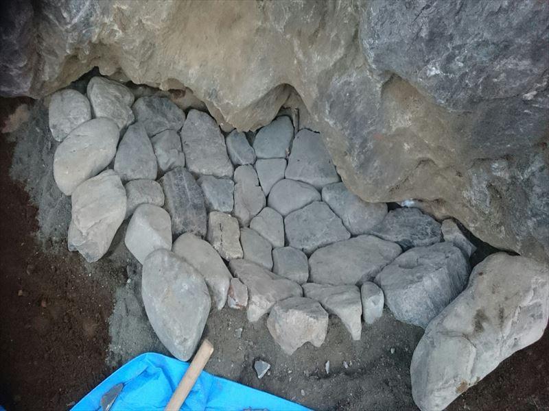 水たまりのための石組み