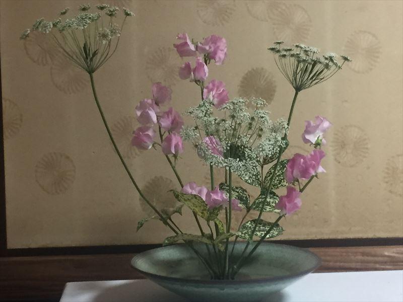 3月の研究会の花材での池坊自由花