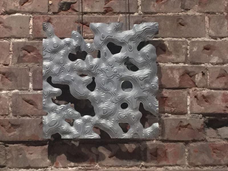 アルミキャストの金属性の壁材
