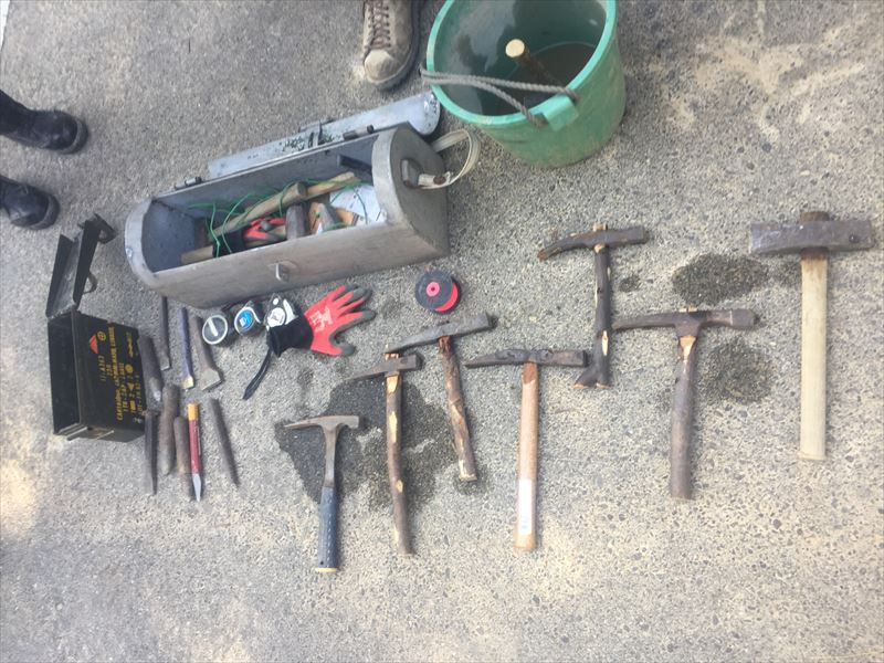 神谷先生が普段使っている石積みの道具