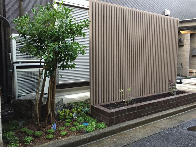 フェンスの在り方がとても良い例なガーデン工事