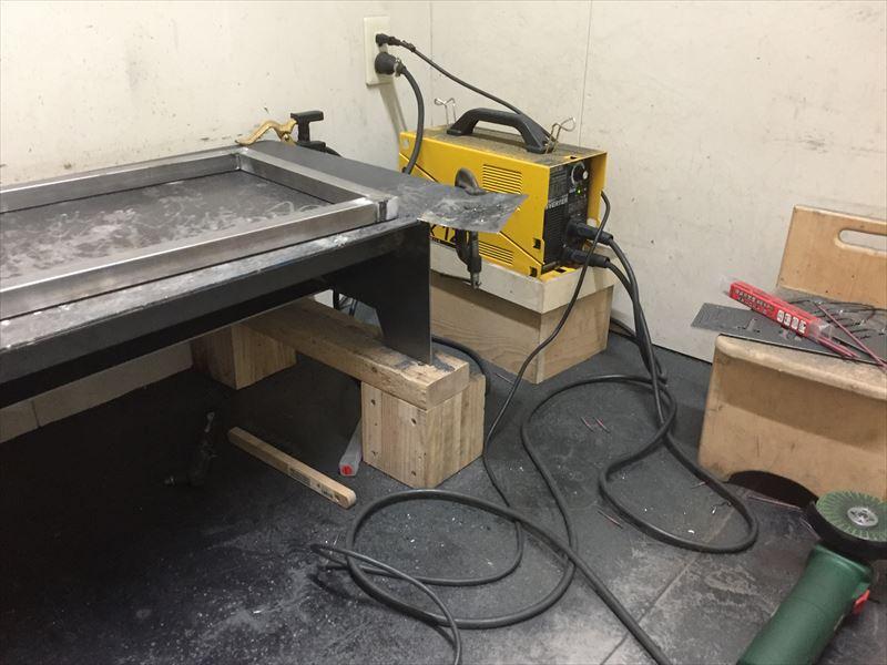 ホームセンターのカインズが提供している溶接可能な工房をレンタルして棚の骨組みのアイアンづくり