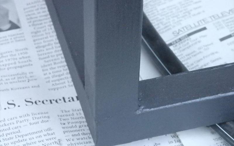 美しく溶接されたアイアンを2度塗り塗装をほどこしたアイアンの接合部