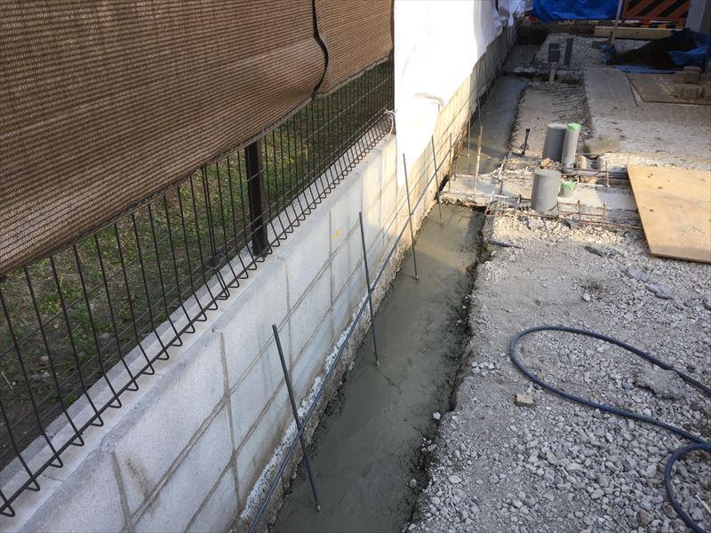 L字型基礎コンクリートの下部分の打設が終了した写真