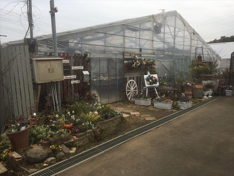 植物を一年中管理できる温室