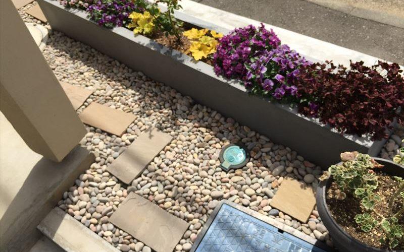 完成から半年後の川崎市多摩区の庭