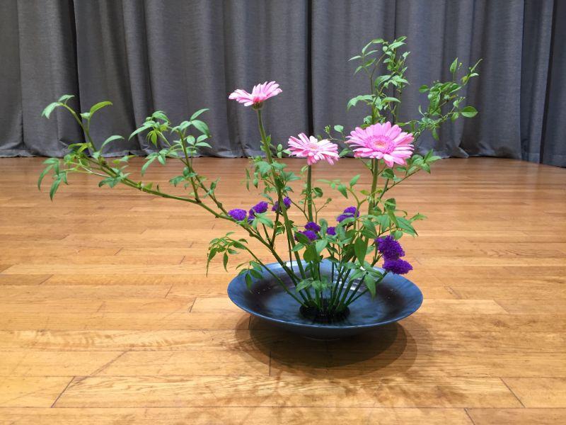 生け花の根源である池坊東京支部でいけた5月の自由花