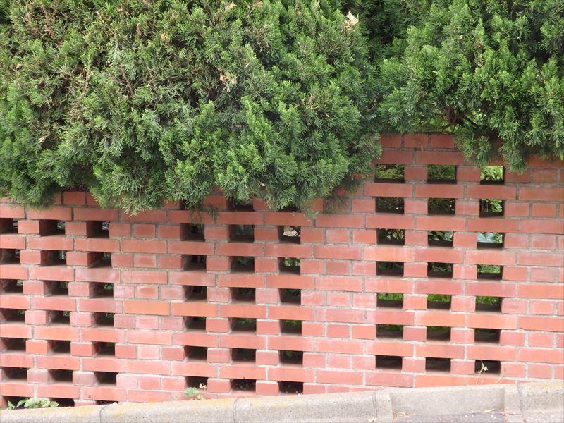 風遠しが良いレンガの塀