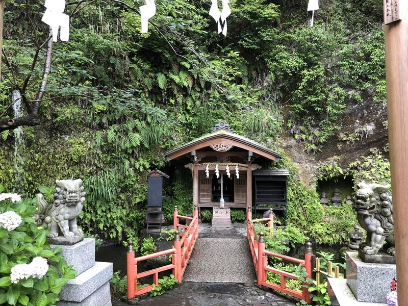 鎌倉銭洗弁天の奥宮