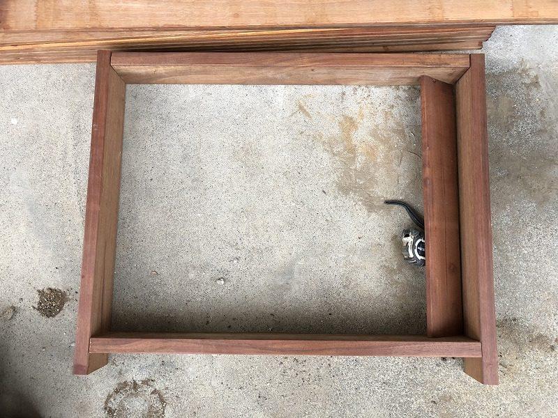 ルーバーとしてのカタチを確認するエアコン室外機カバー
