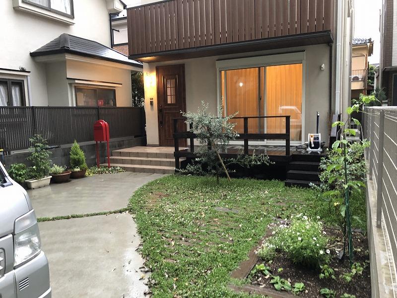武蔵野市の綺麗な庭がある新築2年目の個人邸