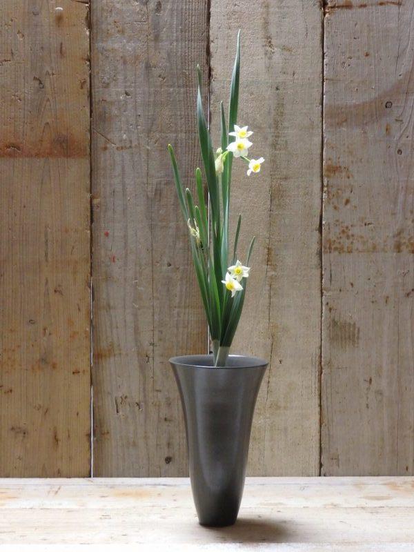 3株水仙の生花