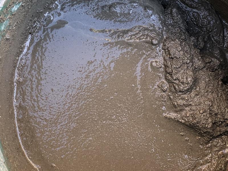 砂が多めのモルタルの表面