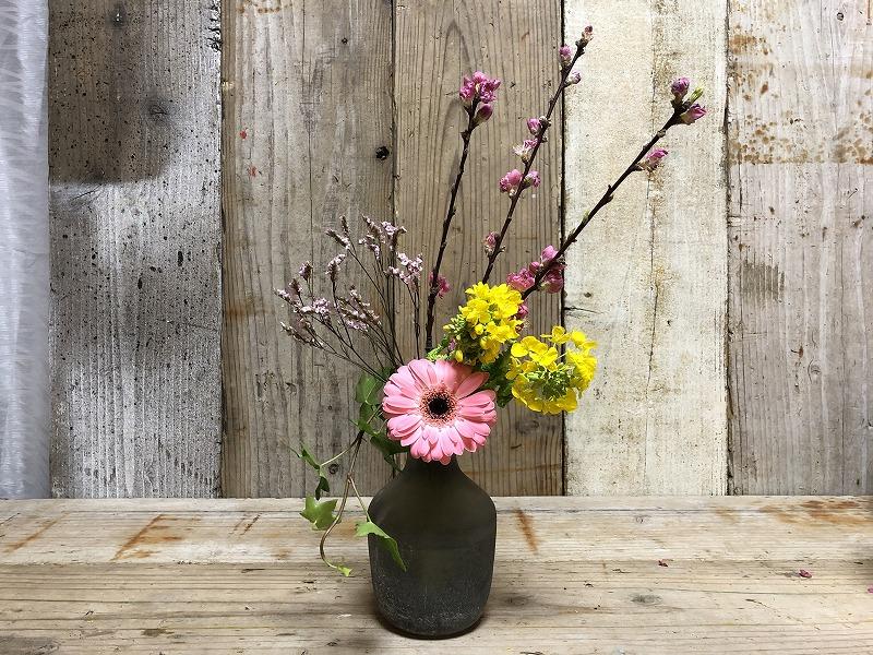 お花の定期便ブルーミーライフの花束に花を追加したいけばな
