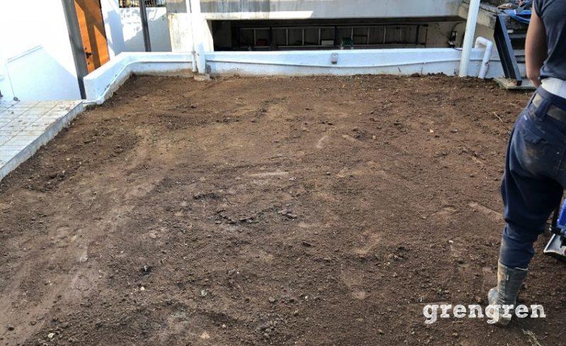 横浜市青葉区の芝生張替えのための地ならし