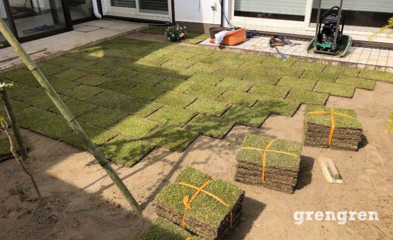 ナチュラルガーデンの芝生の敷き方