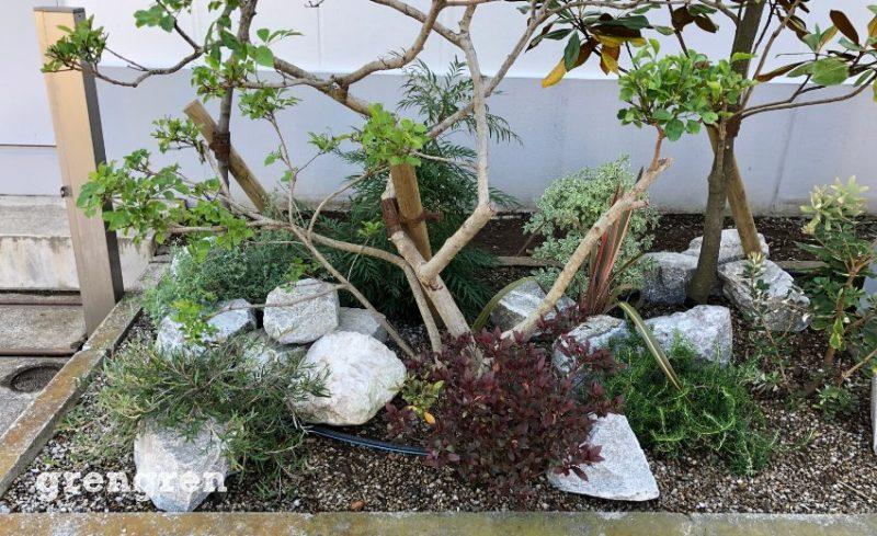 アメリカ産ロッキー山脈の自然石を使ったロックなウェルカムガーデン
