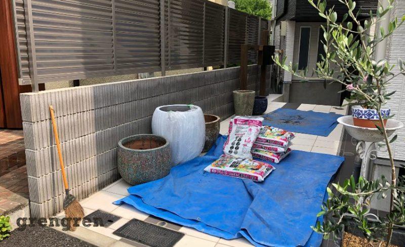 港区の新築個人邸での造園会社ぐりんぐりんのエントランス植栽工事