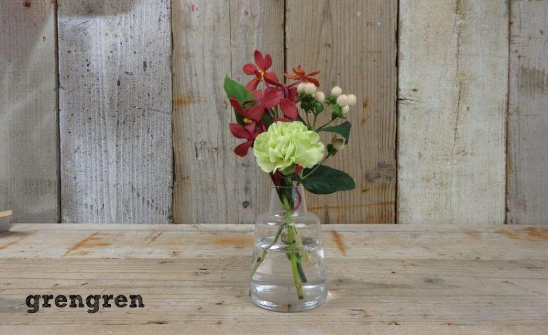 良い大きさのホルムガードの花瓶とブルーミーライフのお花の定期便のレギュラープラン
