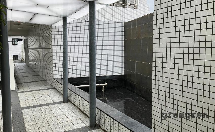 世田谷区のマンションの使われなくなったカスケード