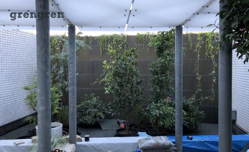 お庭の床の高さが上がったマンションのナチュラルガーデンの庭づくり