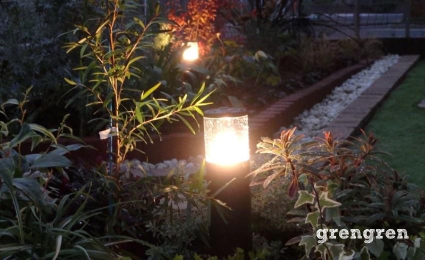 千葉県袖ヶ浦市のガーデンライトが灯る人工芝の庭づくり