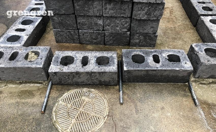 水はけのための水抜き穴のための鉄筋を設置する
