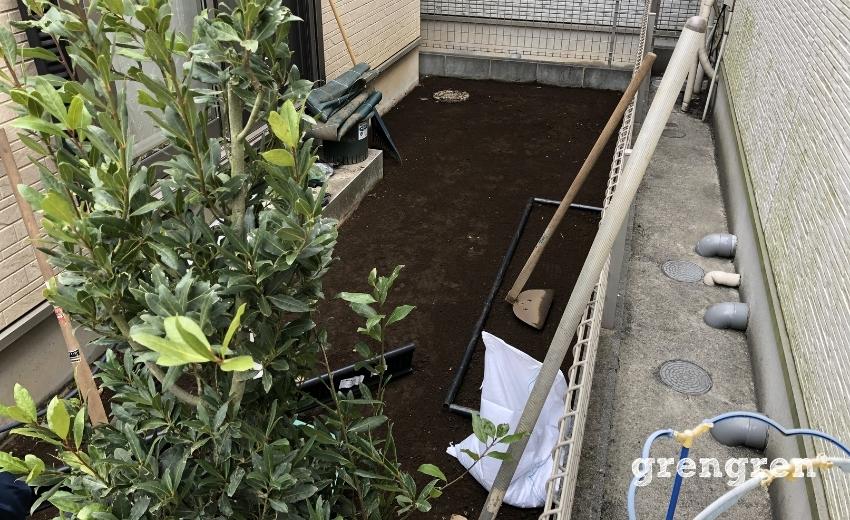 DIYで施工されていた材料を撤去処分したお庭