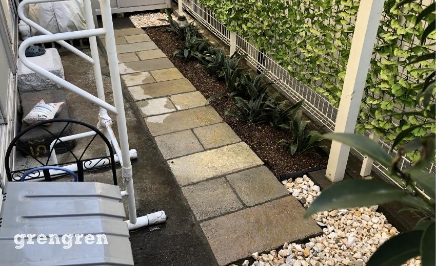 世田谷区の南側のお庭を自然石と砂利で綺麗にする