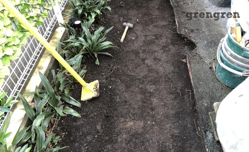 雑草を綺麗に除去した世田谷区の個人邸の庭