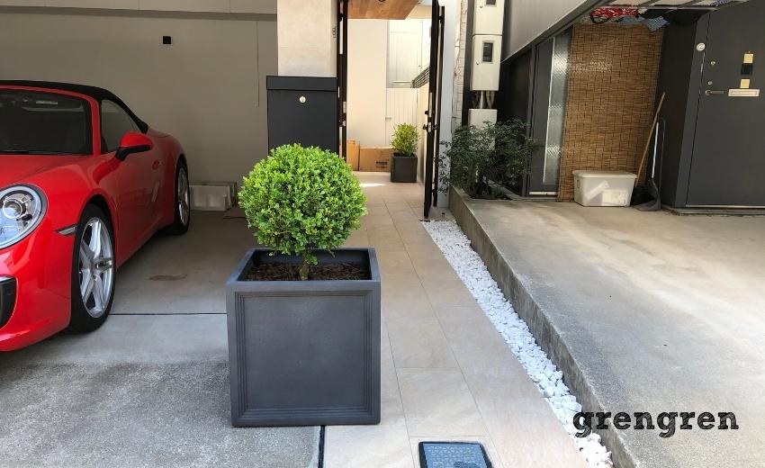 目黒区の住宅のエントランスにの植栽