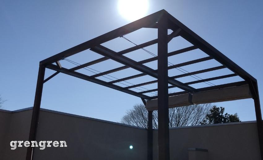 天気がよく太陽が現れた世田谷区の個人邸の屋上