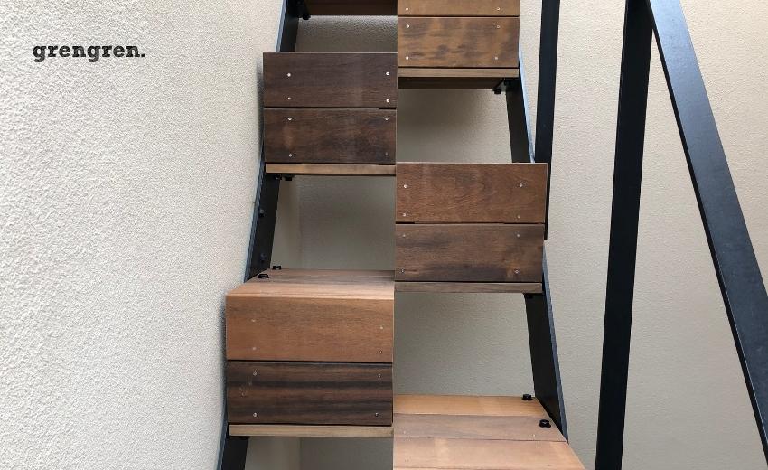 屋上ガーデンへ続くハードウッドの階段の設置